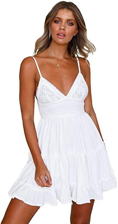 Belle femme robe courte